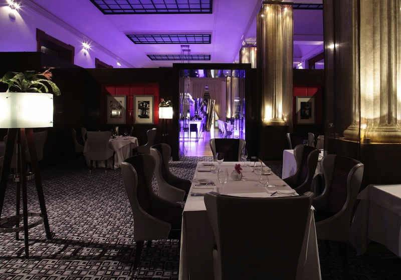 Inn Ox Lounge & Bar, Carlo IV