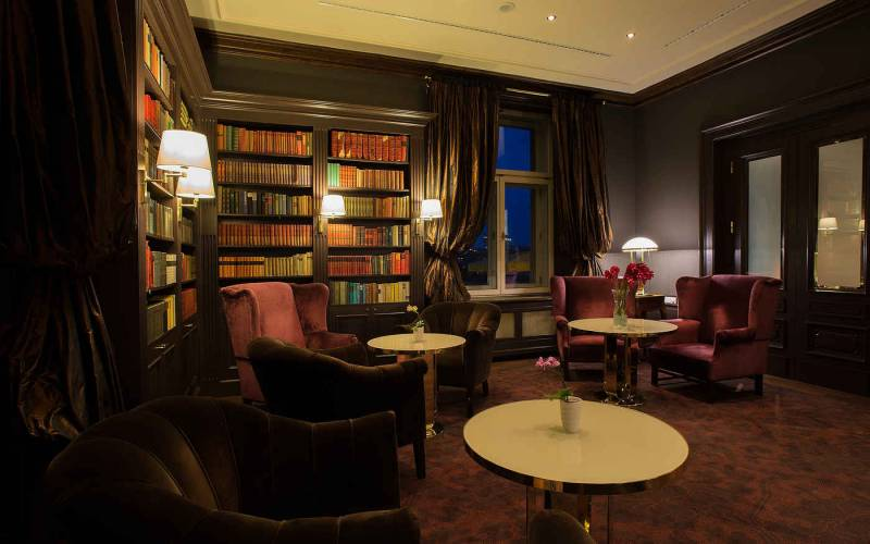 Le Palais Prague hotel, Artista - Library bar